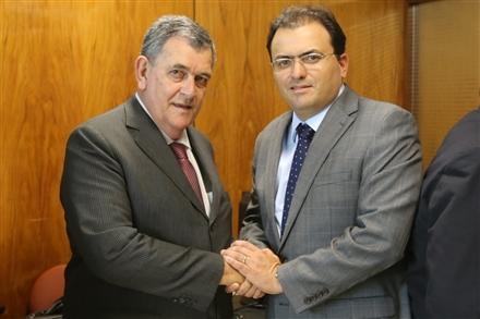 Marcus Vinicius (D) e o líder da Frente Parlamentar dos Advogados, Arnaldo Faria de Sá (Foto: Eugenio Novaes - CFOAB)