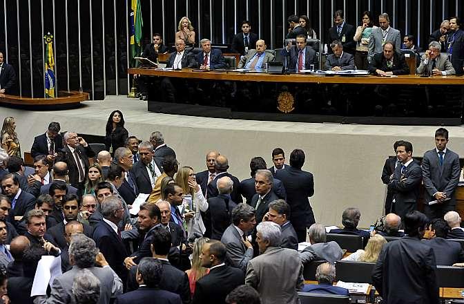 Pontos polêmicos do novo CPC voltaram a ser analisados pelos deputados em Plenário.